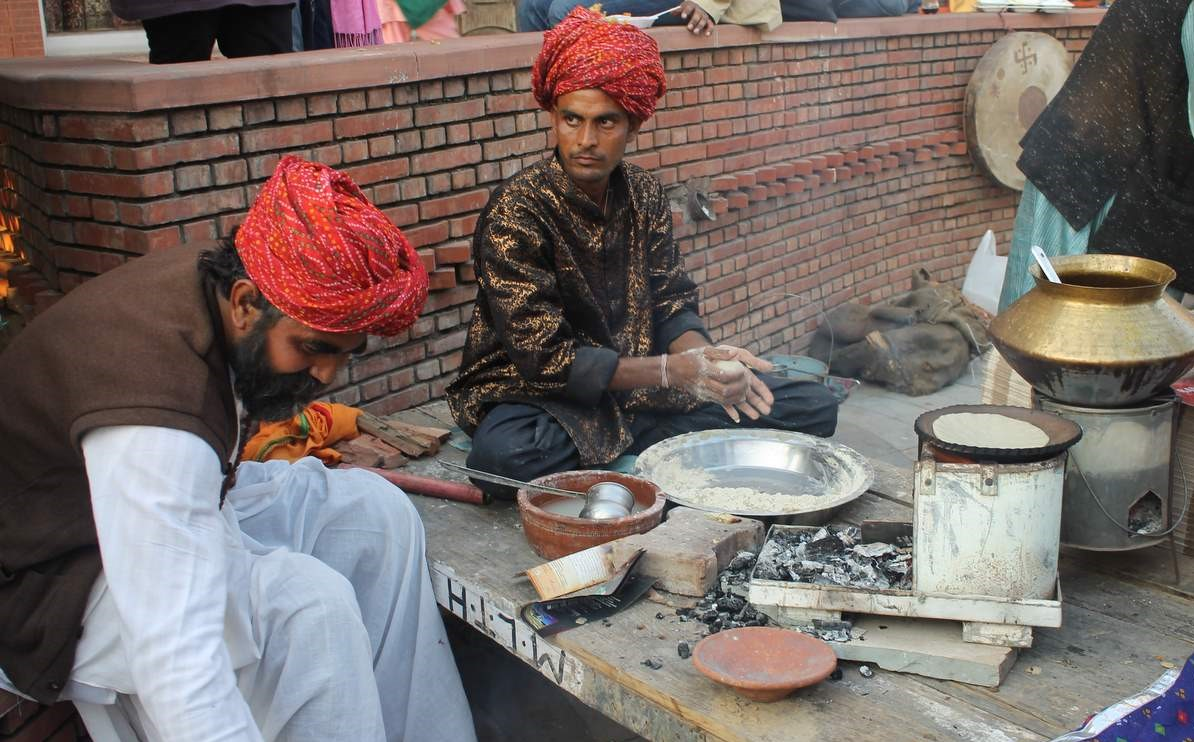 preparing-authentic-rajasthani_new